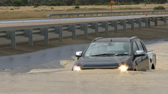4 เคล็ดลับ เช็ครถหลังลุยน้ำ