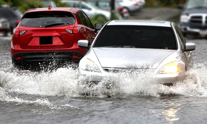 เคล็ดลับ วิธีการขับรถลุยน้ำยังไงให้ปลอดภัย ไม่ดับ